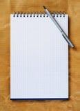 Blocnote met pen. Royalty-vrije Stock Afbeelding