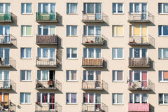 Bloco de apartamentos fotos de stock royalty free