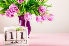 Bloco de madeira com data de dia das mães, o 11 de março Fotos de Stock
