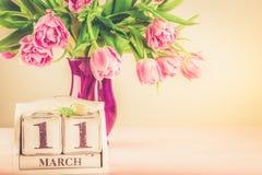 Bloco de madeira com data de dia das mães, o 11 de março Fotos de Stock Royalty Free