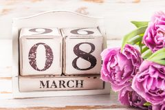 Bloco de madeira com data de dia das mulheres internacionais, o 8 de março Imagens de Stock Royalty Free