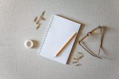 Bloco de notas e lápis Imagem de Stock Royalty Free