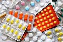 Bloco dos comprimidos e de bolhas da medicina de cima de Foto de Stock