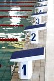 Blocos começar nadadores Foto de Stock