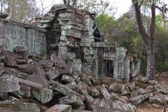 Blocos da pedra de ruínas de Ta Phrom Fotografia de Stock Royalty Free
