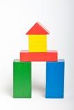 Blocos de apartamentos de madeira do brinquedo Fotos de Stock Royalty Free