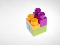 Blocos de apartamentos ou blocos de apartamentos plásticos no fundo Imagem de Stock