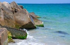 Blocos de cimento quadrados: Quebra-mar em Austrália Imagens de Stock Royalty Free