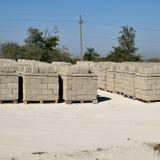 Blocos de cinza, que se encontram nas baías Cinza do armazenamento imagens de stock