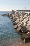 Blocos do cimento do quebra-mar Imagens de Stock