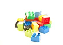 Blocs colorés de pièce de cube Images libres de droits