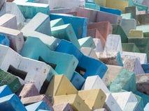 Blocs de béton renforcés lumineux multicolores Photographie stock