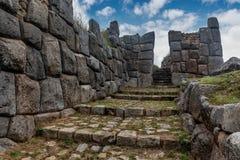 Blocs de chaux aux ruines de Sacsayhuaman, Cusco, Pérou Photographie stock libre de droits