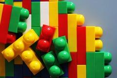 Blocs de concepteur Blocs en plastique de jouet, constructeur de jouets d'enfants Images stock