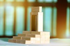 Blocs disposés dans l'ordre par étapes Image stock