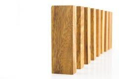 Blocs en bois disposés dans une rangée image libre de droits