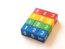 Blocs numérotés colorés pour apprendre (ii) Images libres de droits