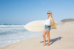 Blode surfer Girl Royalty Free Stock Image
