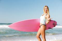 Blode-Surfer Mädchen Stockfoto