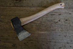 Bloedige de Bijlhouthakkersbijl van de Staalbijl Stock Afbeelding