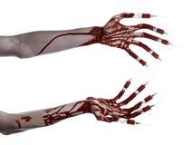 Bloedige hand met spuit op de vingers, tenen spuiten, handspuiten, afschuwelijke bloedige hand, Halloween-thema, zombie witte art Stock Foto's