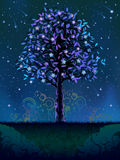 Bloeiende nachtboom Royalty-vrije Stock Fotografie