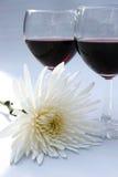 Bloem en rode wijn Stock Afbeeldingen