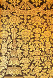 Bloem in het Thaise schilderen in traditionele stijl. Stock Foto