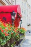 Bloemdetail van een straat in Mayfair, op een rijk gebied van Lon stock foto