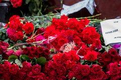 Bloemen als teken van het rouwen voor de doden Stock Afbeelding