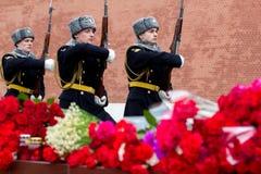 Bloemen als teken van het rouwen voor de doden Royalty-vrije Stock Fotografie