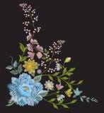Bloemen de hoekpatroon van de borduurwerk kleurrijk tendens Royalty-vrije Stock Afbeelding