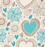 Bloemen decoratief naadloos patroon Krabbelachtergrond met harten en bloemen Stock Afbeeldingen