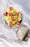 Bloemen, en giften Royalty-vrije Stock Foto's