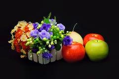 Bloemen en vruchten Royalty-vrije Stock Afbeeldingen