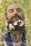 Bloemen Gebaarde Mens stock afbeelding