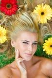 Bloemen in haar Royalty-vrije Stock Fotografie