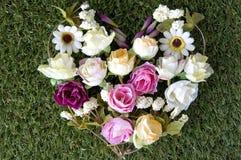 Bloemen in hartvorm Royalty-vrije Stock Foto's