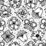 Bloemen naadloos patroon met hand getrokken bloemen Stock Afbeeldingen