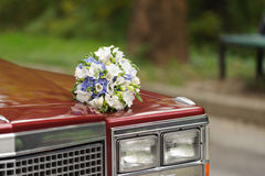 Bloemen op Bonnet royalty-vrije stock afbeelding