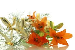 Bloemen samenstelling van lelies stock afbeeldingen