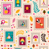 Bloemen, vogels, paddestoelen & slakkenkaraktersaardpatroon Royalty-vrije Stock Foto