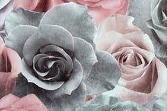 Bloemenbehang als achtergrond op de muur Royalty-vrije Stock Foto's