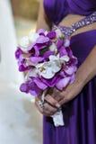 Bloemenboeket van purpere orchideeën royalty-vrije stock fotografie