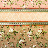 Bloemengrungeillustratie van Nice op oud perkament Royalty-vrije Stock Foto