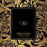 Bloemenkaart op goud met zwarte rozen en plaats voor tekst Stock Afbeelding