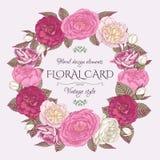 Bloemenkader met rozen en pioenen Uitstekende uitnodigingskaart in sjofele elegante stijl Stock Foto