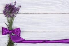 Bloemenkader van bloemen van lavendel Stock Fotografie