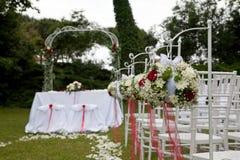 Bloemenregelingen voor huwelijk stock fotografie