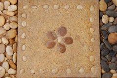 Bloempatroon op baksteen Royalty-vrije Stock Foto's